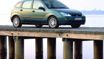 Ford-Focus_5-door_1998_1024x768_wallpaper_04