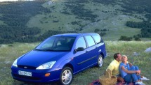 Ford-Focus_Estate_1998_1024x768_wallpaper_05